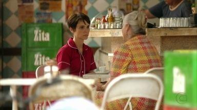 Nina explica seus planos para Lucinda - A mãe adotiva diz que ainda fará a chef de cozinha desistir da vingança