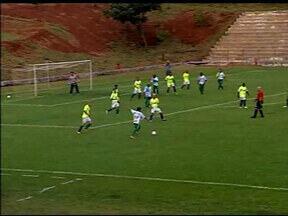 Time máster de Uberlância vence o Palmeiras em partida beneficente - Atletas mostraram que para fazer gol não existe idade
