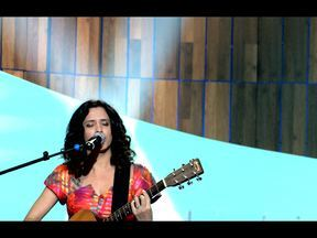 Nuria Mallena fala sobre a sua participação no Som Brasil - A cantora canta clássicos de Fagner, Belchior e Geraldo Azevedo