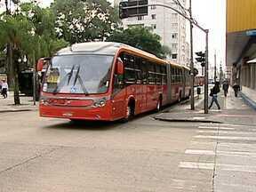 BRTs já existem em Curitiba e em outros países - O sistema de ônibus que será implementado no Rio está em funcionamento em Curitiba, com faixa exclusiva e muita frequência. Na capital do México, os engarrafamentos continuam, mesmo com BRT. Em Los Angeles, nos EUA, tem até integração com bicicletas.