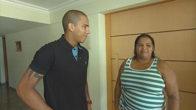 Jael, do Sport, e o amuleto materno - Dona Janice passou a morar no Recife para cuidar do atacante do Leão