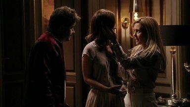 Avenida Brasil - Capítulo de sexta-feira, dia 11/05/2012, na íntegra - Carminha tenta descobrir se Débora sabe algo sobre Rita
