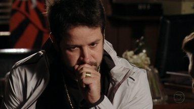 Avenida Brasil - Capítulo de sexta-feira, dia 25/05/2012, na íntegra - Tufão conta para Jorginho que foi o responsável pela morte de Genésio