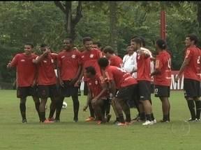 Após semana conturbada, Flamengo busca a primeira vitória no Campeonato Brasileiro - Clube joga contra o Internacional no Engenhão.