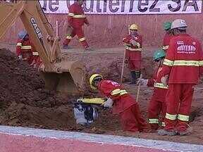 Vagas para operários colorados são abertas para a reforma do Beira-Rio - Torcer para o time da casa é requisito para trabalhar nas obras.