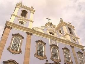 Igreja do século XVIII construída por escravos é reaberta ao público na Bahia - A igreja de Nossa Senhora do Rosário dos Pretos é uma joia da arquitetura barroca no Pelourinho, centro histórico de Salvador. Nos dois anos de reforma e restauração, os altares e os valiosos painéis de azulejaria portuguesa foram recuperados.