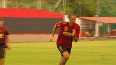 César se recupera e quer ficar no Sport - Contrato do jogador termina este mês, mas ele quer seguir na Ilha do Retiro