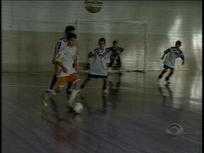 Escola de Aratiba, RS, vence etapa de futsal dos Jogos Escolares - Jogos Escolares são classificatórios para as Olimpíadas Escolares.