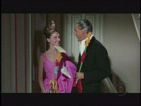 Ana mostra filme dos anos 60 no qual Audrey Hepburn usa e abusa das bolsas e sapatos - Em 'Bonequinha de luxo', a atriz combina e descombina os modelos