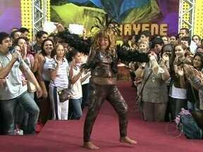 O estilo de Chayene virou moda? Bruno De Luca foi às ruas conferir - Povão desfila figurino da rainha do eletroforró