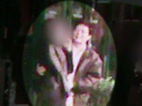 Vídeo de Marcos com outra mulher pode ter provocado briga de Elize com marido - Imagens mostram Marcos Matsunaga na porta de um restaurante com outra mulher. A empregada do casal contou como foram os passos de Elize logo em seguida ao assassinato.