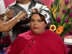 Dilma faz comunicado enquanto cuida da Beleza - 'A beleza é fundamental pro ser humano enquanto ser humano', diz a presidenta