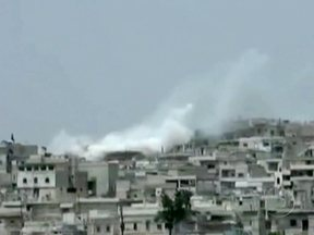 ONU suspende missão de paz na Síria - A ONU suspendeu a missão de paz na Síria. Segundo o chefe das operações, o aumento da violência tornou muito arriscado o trabalho dos observadores internacionais. Há meses, as Nações Unidas vem tentando impedir que a guerra civil se alastre no país.
