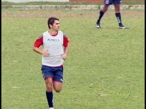 Lúcio Flávio pronto para reestreia no Paraná Clube - Retorno do ídolo deve lotar a Vila Capanema no confronto com o Joinville