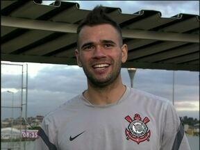 Jogadores do Corinthians em campanha pela presença do Louro José na final da Libertadores - Leandro Castán manda recado especial ao papagaio