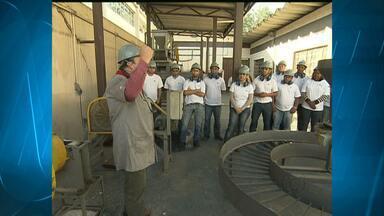 Setor de mineração deve faturar, em 2012, R$ 10 bilhões a mais que no ano passado - O mercado de trabalho está aquecido e sobram vagas no setor, em todo o país.