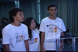 Escola de São Mateus vence gincana de conhecimentos gerais, no ES - Alunos foram premiados com notebooks e um ano de internet gratuita. Projeto 'Cuca Legal' teve mais de 150 escolas inscritas.
