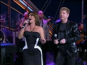 Marina Mota e Roberto Leal cantam juntos no Programa do Jô - Os portugueses animaram a plateia no fim do programa com um grande sucesso