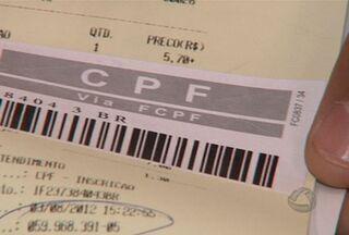 CPF pode ser retirado gratuitamente via internet - O CPF é um documento essencial para abertura de conta bancária, viagem para exterior ou para declaração de imposto de renda. Agora, é possível retirar o CPF de forma gratuita, via internet, através de serviço disponibilizado pela Receita Federal.