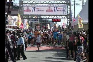 Meia-Maratona faz parte dos festejos pelo aniversário de João Pessoa - Embora a corrida comemorasse o aniversário da capital, quem dominou o pódio ao final da competição, foram os pernambucanos.