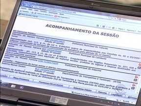 Edital de licitação para autoescolas permanece suspenso em SC - Permanece suspenso o edital de licitação para autoescolas em Santa Catarina.Esta tarde, a análise do processo foi mais uma vez prorrogada pelo Tribunal de Contas do estado.