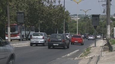 Duas lombadas eletrônicas têm velocidade reduzida em ruas de Manaus - Mudanças foram realizadas pelo Instituto Municipal de Trânsito (Manaustrans) nos bairros Aleixo, Colônia Oliveira Machado e Japiim. Os motoristas que transitam por estes locais precisam ficar mais atentos.