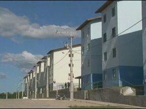 Moradores de condomínio em Alagoinhas se queixam de problemas de estrutura - O condominío faz parte do programa Minha Casa, Minha Vida e os apartamentos foram entregues há apenas um ano.