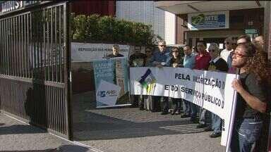 Servidores federais fazem paralisações na Baixada Santista - Na região, várias categorias aderiram à mobilização.