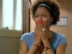 Betão e Filipe choram a morte de Carmem - Aparecida fica chocada ao saber que a patroa morreu atropelada