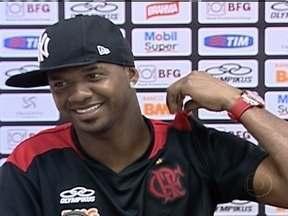 Felipe do Flamengo mostra entusiasmo depois de voltar a ser titular pelo time - Jogador ficou cerca de três messes internado por dengue, e agora tem a chance de voltar a brilhar pelo rubro negro.