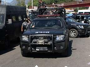 Polícia faz operação no conjunto de favelas da Maré - Cerca de 200 homens das polícias militar, civil e federal, participaram da operação. O objetivo da operação era reprimir o tráfico de drogas e acabar com uma possível guerra entre traficantes.