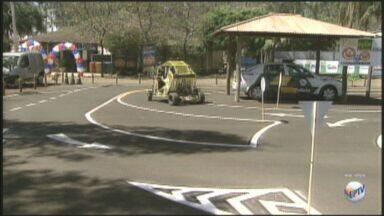 Festa do Peão de Barretos apresenta educação no trânsito - Espaço foi formado no Rancho do Peãozinho.