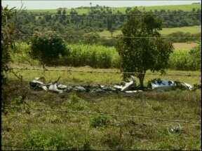 Destino de aviões que caíram em Campinas era evento em Salto de Pirapora, SP - O destino dos dois aviões que caíram na região de Campinas (SP)era uma fazenda em Salto de Pirapora (SP). O local é um clube de aviação. Quatro pessoas morreram.