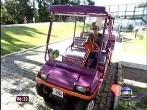 Ana Maria comemora novo carrinho: 'Estou parecendo a Penélope Charmosa' - Apresentadora mostra carrinho personalizado com imagens do Rio de Janeiro