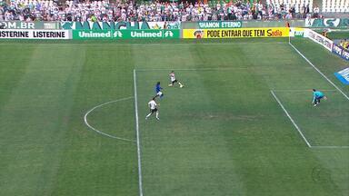 Cruzeiro é goleado pelo Coritiba fora de casa - Jogo acabou 4x0 para o time da casa.