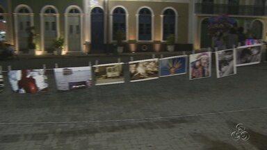 Exposição de Fotografia chamou a atenção no Largo São Sebastião - Ontem (19) foi comemorado o Dia Internacional da Fotografia