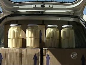 Cerca de 300 caixas de palmitos são apreendidas em Salto de Pirapora, SP - Cerca de 300 caixas de palmito clandestino foram apreendidas em Salto de Pirapora (SP) na manhã desta segunda-feira (20). Após denúncia anônima, a Polícia Ambiental encontrou as caixas em um balcão no km 300 da Rodovia José Francisco Ayub.