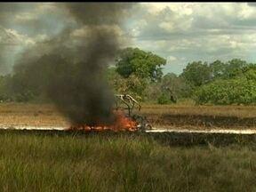 Primeira etapa do Rally dos Sertões tem fogo e fumaça - Robert Nahas teve problema com gasolina e viu carro em chamas.
