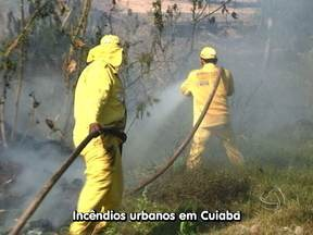 Brigadistas atendem uma média de cinco chamadas de queimadas por dia - A brigada de Cuiabá recebe muitos chamados e atende uma média de cinco por dia. Nós resolvemos acompanhar esse trabalho que muitas vezes é resultado da irresponsabilidade dos próprios moradores.