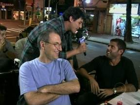 Bruno De Luca prova que os homens também estão ligados em Avenida Brasil - Confira o que eles acham da trama das nove!