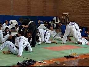 Tricampeão Mundial de Jiu-Jitsu ministra seminário em Uberaba e Uberlândia - Sérgio Moraes esteve no Triângulo Mineiro e falou sobre MMA e Jiu-Jitsu.