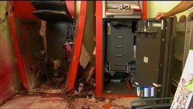 Criminosos atacam caixas eletrônicos na região - Ocorrências foram registradas em Atibaia e São José dos Campos.