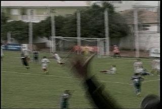 Inter-SM perde mais uma pela Copa Hélio Dourado - Colorado começou vencendo por dois a zero, mas cedeu a virada no finalzinho. Time de Santa Maria reclama um pênalti que teria sido mal marcado pela arbitragem