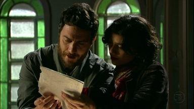 Rodrigo descobre que Elisa era um espírito - Ao descobrir que brincou na infância com o espírito de Elisa Neves, ele pede para Miriam ajudá-lo a armar um plano para desmascarar Amparo, a falsa Elisa