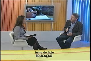 Ao vivo no estúdio, especialista fala sobre os desafios da educação - Professor da UFSM comenta sobre a relação entre desenvolvimento econômico e ranking da educação