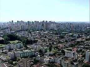 A população de Londrina cresceu mas a cidade ainda é a quarta do sul do país - O IBGE divulgou hoje que Londrina tem nove mil habitantes a mais do que em 2010, quando foi realizado o último censo. Mas a cidade ainda não reconquistou o posto de terceira maior do sul do Brasil, que hoje é ocupado por Joinville.