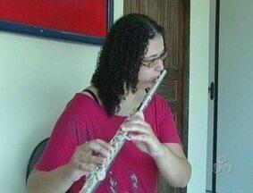 Flautista auto-didata de Vilhena, RO, é convocada para encontro na Itália - Rosane Pontes é a única mulher a representar o Brasil no segundo Falaut Campus 2012.