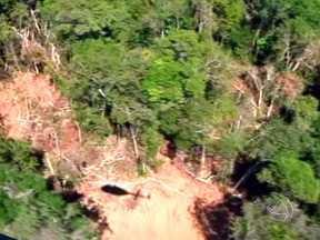 Operação soberania vai combater o desmatamento na Amazônia Legal - Começou no norte do estado a Operação Soberania, coordenada pelo Ibama. O objetivo é combater o desmatamento na Amazônia Legal. Parte da equipe esteve reunida em Sinop para definir as ações.