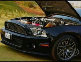Conheça o Shelby Especial, a nova geração do Mustang - No dia em que o Auto Esporte comemora 500 programas no ar, apresenta o Shelby. É a terceira geração de evolução que o carro teve a partir de 2005, quando foi lançada uma nova carroceria que remete aos anos 60 e 70, os Anos Gloriosos do Mustang.