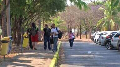 Professores se recusam a voltar ao trabalho após greve na UFMT - Professores de alguns cursos se recusaram a retornar ao trabalho na UFMT após a greve que durou quator meses. Eles querem mais tempo para preparar as aulas.